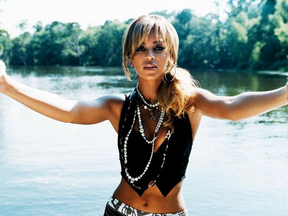 Beyonce-River-Landscape-Behind-HD-Wallpaper-Vvallpaper.Net